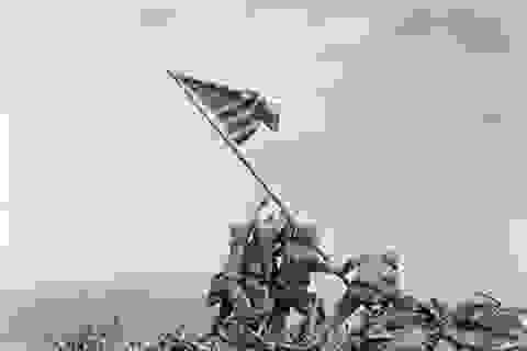 Câu chuyện đằng sau bức ảnh biểu tượng của Thế chiến II