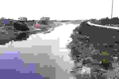 """Sông Cầu """"giãy chết"""", Chủ tịch 2 tỉnh Bắc Giang và Bắc Ninh cùng sốt sắng!"""