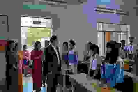 Đắk Lắk: Không cho xe đưa đón học sinh vào khuôn viên trường