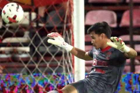 Thủ môn Muangthong nhận giải thủ thành xuất sắc nhất vòng 4 Thai League