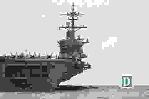 Cận cảnh siêu hàng không mẫu hạm Mỹ trên biển Đà Nẵng