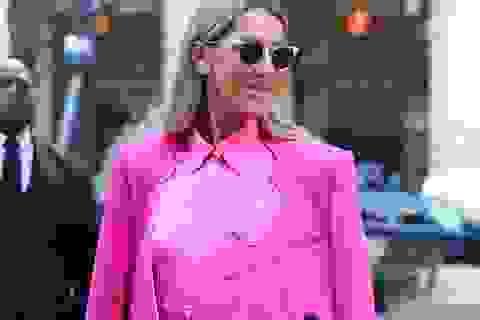 Celine Dion diện váy kết hợp với quần