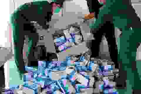 Chặn bắt vụ vận chuyển 10.000 khẩu trang y tế qua biên giới