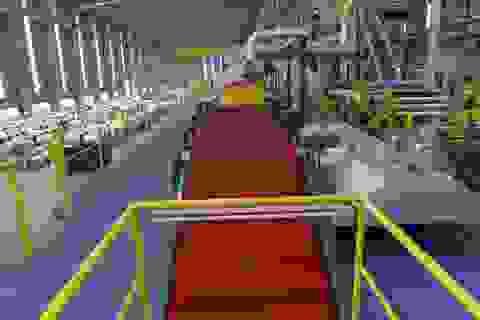 Cận cảnh dây chuyền sản xuất tôn Hoa Sen Gold bảo hành lên đến 30 năm