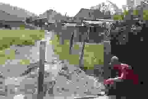 """Ngang nhiên """"rào đường, chắn lối"""" của hàng chục hộ dân tại Phú Yên"""