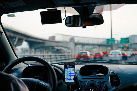 Pháp buộc Uber công nhận tài xế là nhân viên