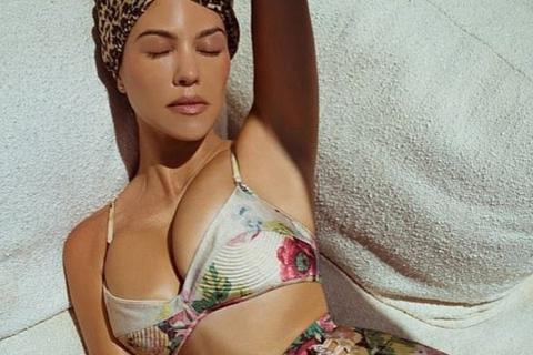 Kourtney Kardashian đẹp gợi cảm trong bộ ảnh mới