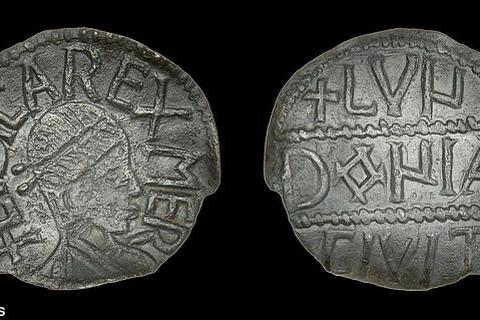 Một đồng xu cổ siêu hiếm của Anh bán được hơn 900 triệu đồng