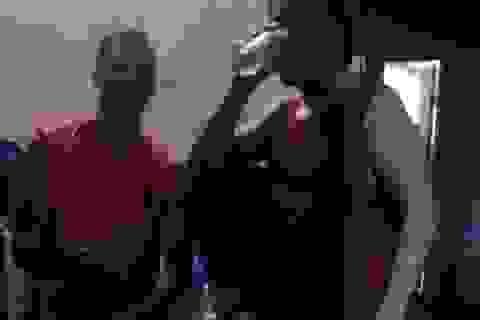 Cuộc sống sướng như Vua của Ronaldinho khi ở trong tù