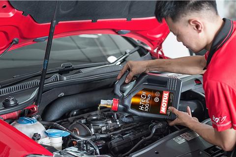 Cách lựa chọn dầu nhớt phù hợp cho ô tô