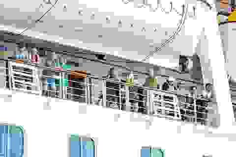 Campuchia cấm tàu thuyền chở khách cập cảng để ngăn dịch Covid-19