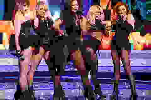 The Pussycat Dolls liên tục gây sốc vì trình diễn quá bốc lửa