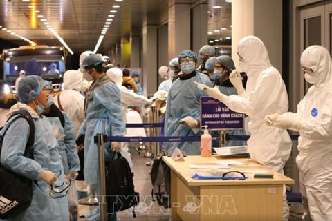 Người Việt không ra nước ngoài, người về nước nghiêm túc khai báo