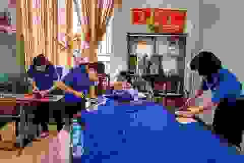 Cần Thơ: Đoàn viên, thanh niên may hơn 5.000 khẩu trang vải chống Covid-19