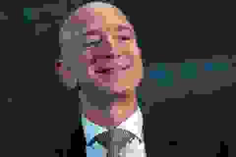 """Jeff Bezos """"lôi kéo"""" trăm ngàn nhân viên nhà hàng, quán bar sang Amazon"""