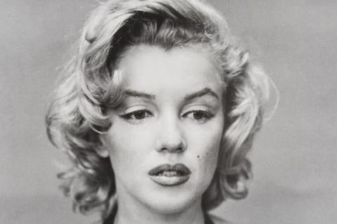 Bức ảnh hiếm của Marilyn Monroe được bán với giá hơn 60.000 USD