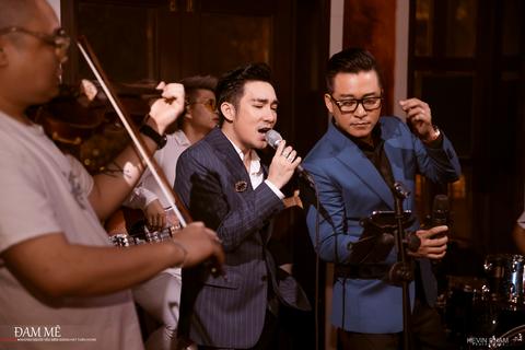 """Vì dịch Covid-19, Tuấn Hưng- Quang Hà tổ chức liveshow """"không có khán giả"""""""