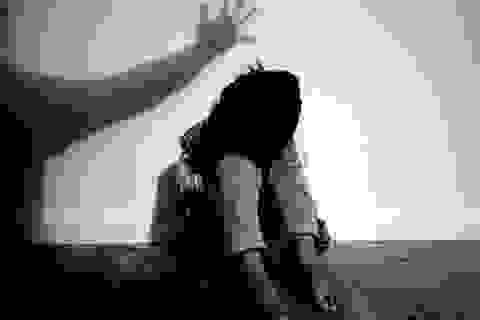 Bé gái 13 tuổi bị bạn Facebook đưa vào nhà nghỉ cưỡng hiếp