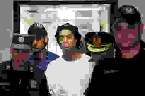 Ronaldinho đối diện với 10 năm tù tại Paraguay