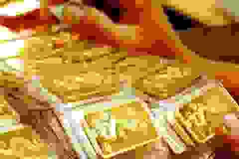 Giá vàng SJC tăng ngược chiều thế giới