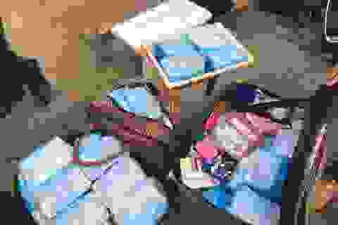 Vận chuyển lậu hàng chục ngàn chiếc khẩu trang y tế qua Lào tiêu thụ