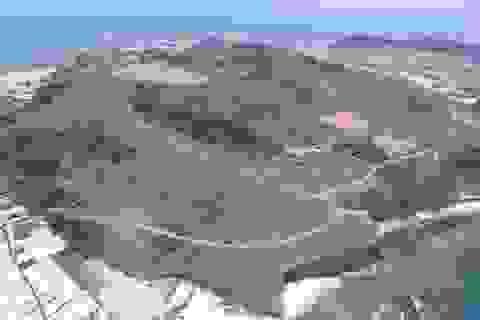 Hồ trên đỉnh núi lửa ở Lý Sơn đang chạm mực nước chết