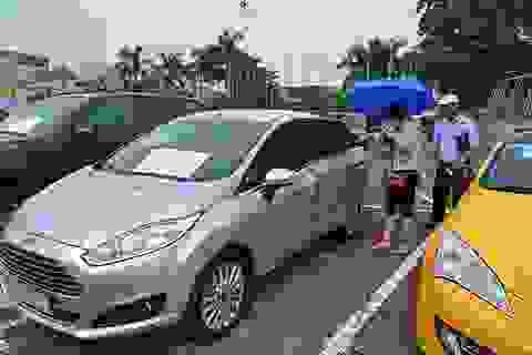 """Ô tô """"đi nát"""" vẫn bán được giá, lo Việt Nam là """"ốc đảo""""... xe cũ"""