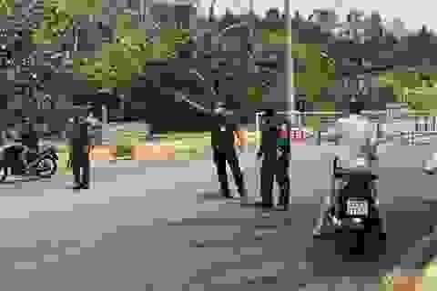 Đà Nẵng lập chốt ngăn du khách tụ tập ở bán đảo Sơn Trà