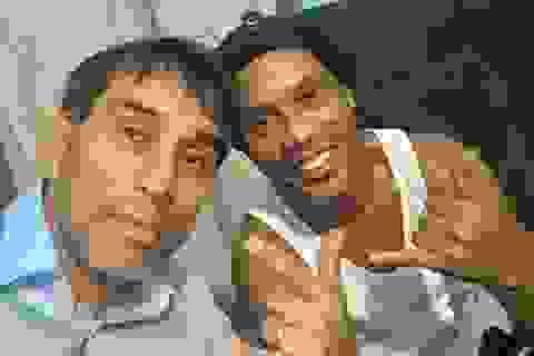 """""""Ronaldinho đang suy sụp tinh thần tại nhà tù Paraguay"""""""