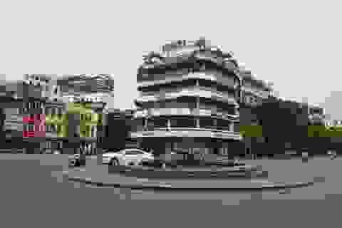 """Tòa nhà từng bị dè bỉu một thời trở thành điểm """"check-in"""" hot ở Hà Nội"""