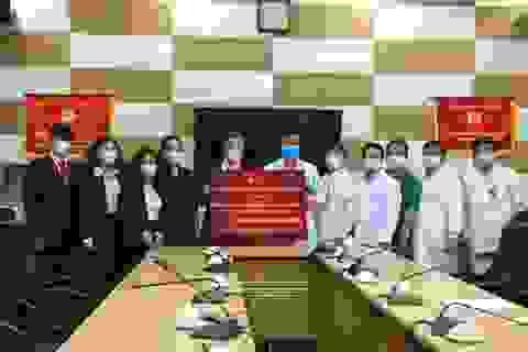 DOJI tiếp tục chung tay phòng chống dịch Covid -19: Tặng Y bác sĩ BV Bạch Mai 1 tỷ đồng