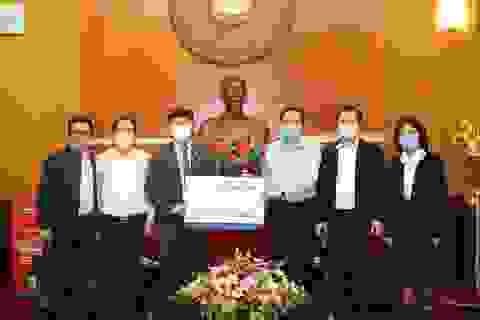 Tập đoàn Tân Á Đại Thành tặng 300 máy lọc nước cho các khu cách ly ở Hà Nội
