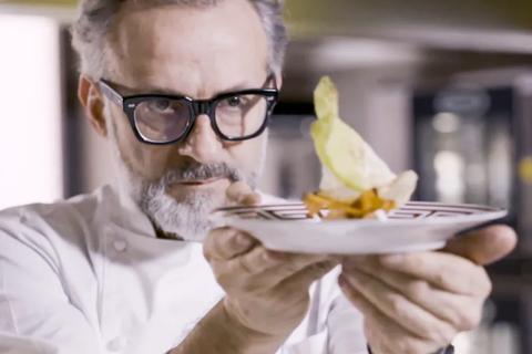 Đầu bếp, giáo viên, DJ thành hiện tượng Internet nhờ Covid-19