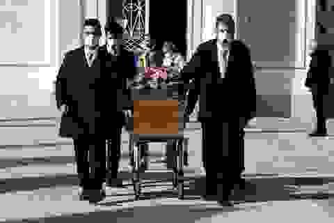 """Hơn 12.000 người chết vì Covid-19, Italia """"chạy đua với tử thần"""""""