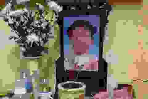 Vụ bé gái tử vong nghi do bạo hành: Bắt giữ khẩn cấp mẹ đẻ, bố dượng