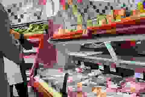 Nhập cả triệu con lợn sống, giá thịt lợn siêu thị vẫn tăng mạnh