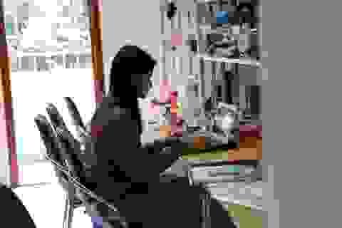 Giảng viên tuyệt đối không di chuyển khỏi nơi cư trú, tiếp tục dạy online
