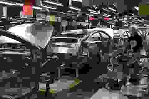 """Hàng loạt doanh nghiệp ô tô dừng sản xuất: """"Không lo thiếu xe"""""""