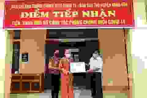 Cụ ông 104 tuổi vượt đường xa để ủng hộ tiền dành dụm chống dịch