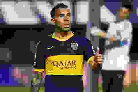 """Carlos Tevez: """"Giới cầu thủ có thể sống cả năm không cần lương"""""""