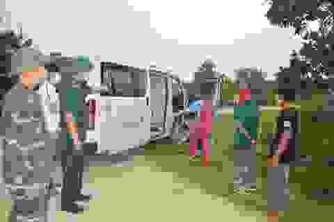Nhiều người vượt biên trái phép từ Lào về Việt Nam tránh dịch