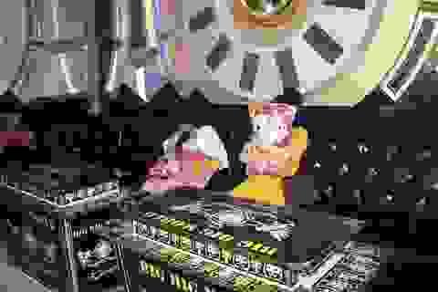 """Rút giấy phép quán karaoke chứa """"dân bay"""" trong lúc cao điểm chống dịch"""