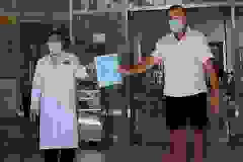 Người nước ngoài chữa Covid-19 tại Việt Nam, bảo hiểm trả hàng trăm triệu