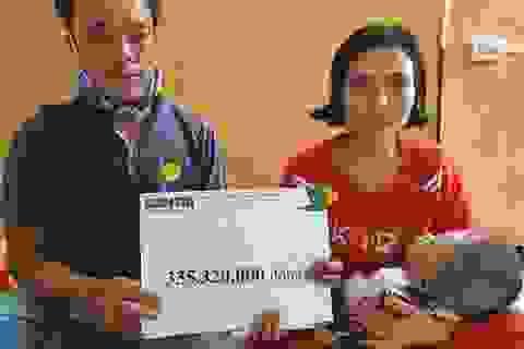 Em bé khắc khoải chờ bàn tay nhân ái được bạn đọc giúp đỡ 335 triệu đồng