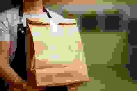 Có thể bị lây nhiễm SARS-CoV-2 từ đồ ăn giao tận nơi không?