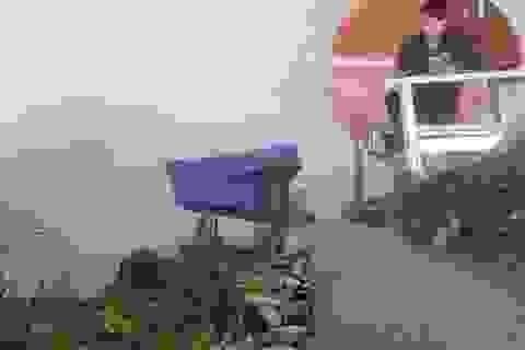 Nam sinh H'Mông dựng lán cheo leo sườn núi để bắt sóng học online mùa dịch