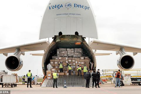 Trung Quốc ép Ý mua lại lô khẩu trang từng quyên góp cho tâm dịch Vũ Hán