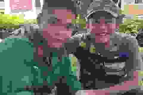 Nghệ sĩ Tấn Beo động viên con trai gia nhập tuyến đầu chống dịch Covid-19