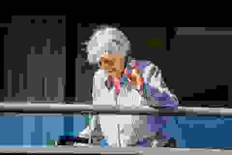 """Cụ bà Hà Lan 107 tuổi """"đánh bại"""" Covid-19"""