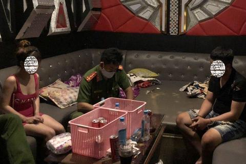 Giữa mùa dịch vẫn tụ tập sử dụng ma túy trong quán karaoke và nhà nghỉ